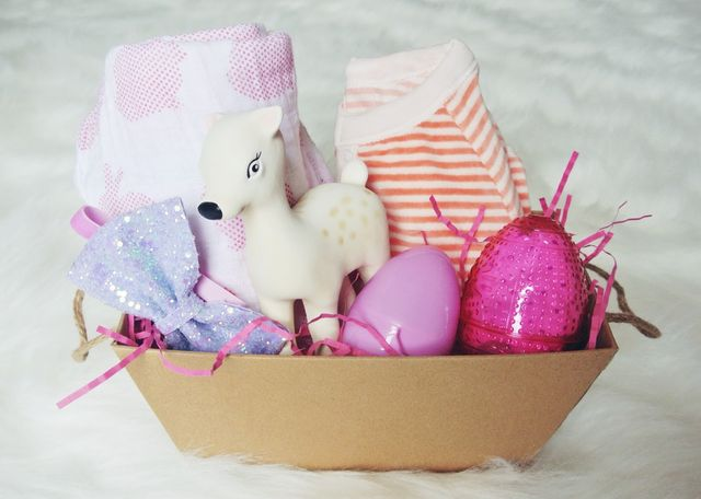 Easter basket goodies little baby garvin bloglovin these little kraft paper boxes are so perfect for mini easter baskets for other friends family as well especially dressed up a bit with some craft paint negle Gallery