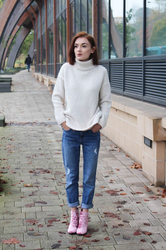 506f8543 VELVET ANKLE BOOTS: ASOS / CHUNKY ROLL NECK KNITTED JUMPER: ZARA (similar)  / *WAREHOUSE GIRLFRIEND JEANS: c/o DEBENHAMS Welcome to my life ankle boots  of ...