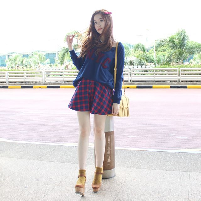 Casual Preppy Airport Outfit  91ac3a048d