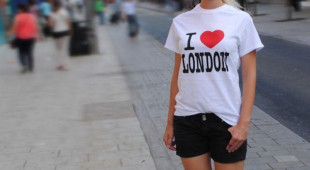 d99d2e961e6 Jak blondýna v Londýně utratila pár Liber