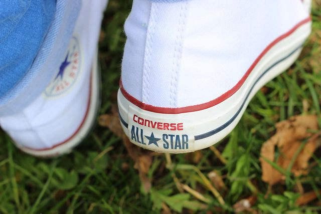 OUTFIT MIT CONVERSE ALL STARS