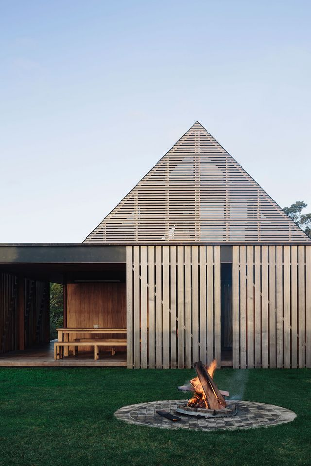 Forest house in auckland new zealand by fearon hay architects