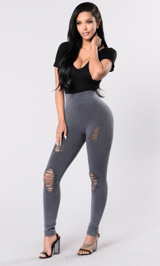 Get The Look  Toya Wright Poses in Casual Fashion Nova Threads  94fb5ea136a2