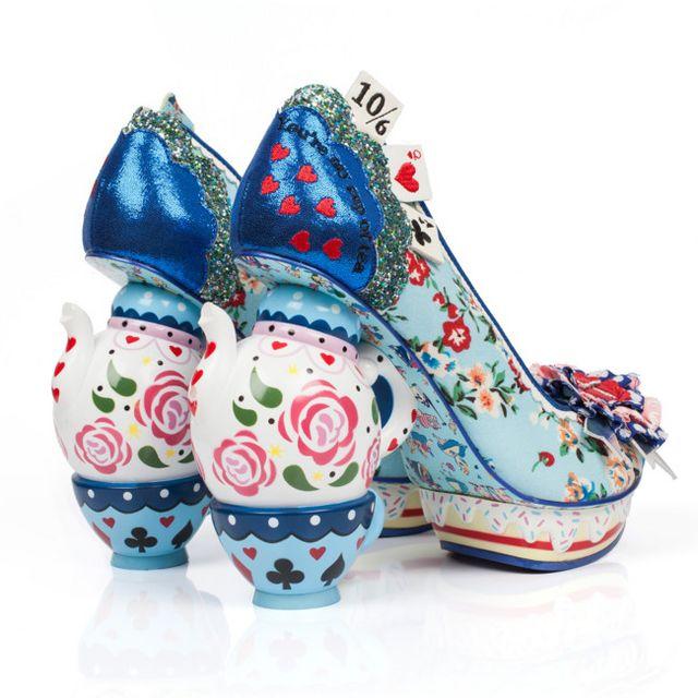 Los zapatos de  Alicia en el País de las Maravillas  son ¡para ... 29b61585f49