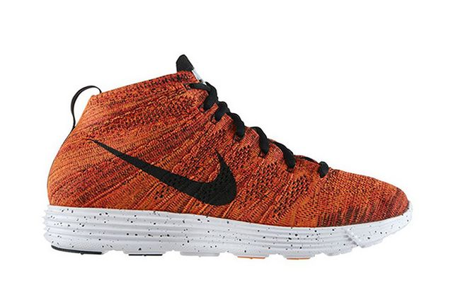online store e2f5f a6ceb Fresh off the debut of an all-new Wolf Grey/Electric Green makeup, Nike  Sportswear's Lunar Flyknit Chukka debuts in a new combo of Bright Crimson,  ...
