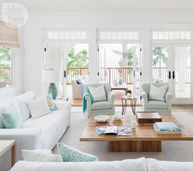 The owners who live in bermuda year round had a vision of both contemporary and classic when they purchased this seaside house to spend the holidays