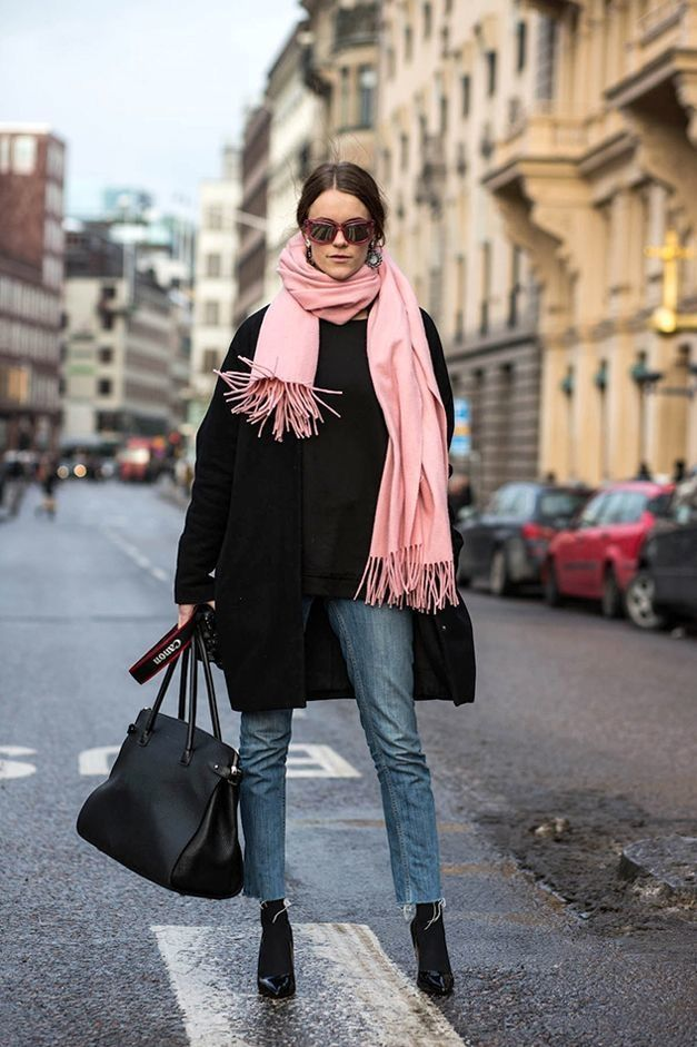 Two Ways: Pink Scarf   Black Coat | Le Fashion | Bloglovin'