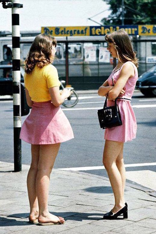 516edfaba87 45 Incredible Street Style Shots From The  70s