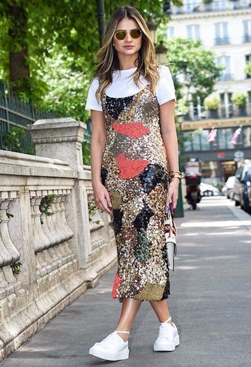A 39 90s Inspired Way To Wear A Sequin Dress Le Fashion