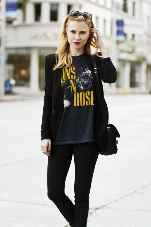 7de092432a6f8a 13 Ways To Style A Vintage Tee
