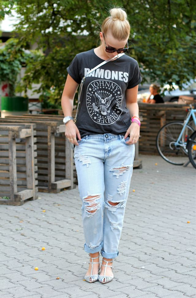 if your pair of jeans are too long if you dont like the cut or if you just want to put an extra twist to your outfit roll your jeans - Einfache Dekoration Und Mobel Die Wohnung Traegt Jeans