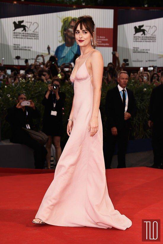 Style Double Shot: Dakota Johnson in Prada and Marc Jacobs | Tom ...