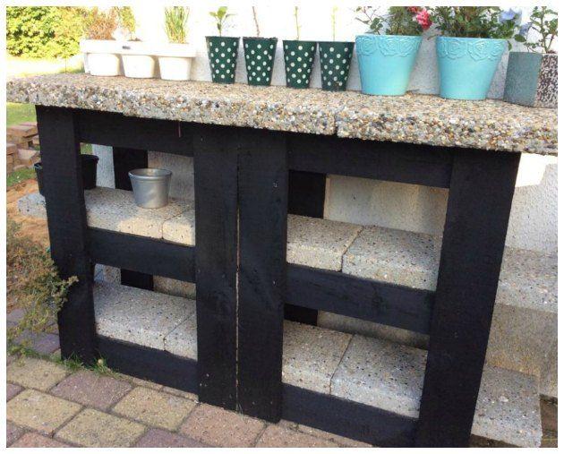 Se flere eksempler på afsætningsborde lavet af 2 paller og et par ...