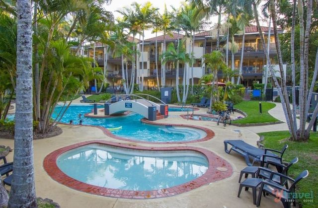 Beach Towns On The Sunshine Coast In Queensland Perfect For - Beautiful madness 10 extraordinary bedrooms near the swimming pool