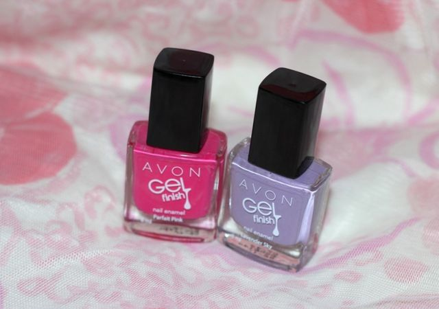 55c58fadd4 If you ask me to name one product from Avon that I will pick blindly, it  will be nail enamel. Avon comes with some of the best quality affordable  nail ...