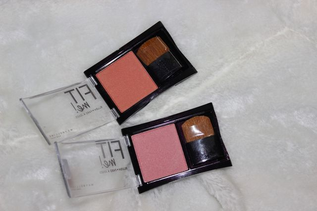 Shades – Maybelline Fit Me Blush Medium Coral is true to its name, a medium coral with faint golden shimmers. The color looks pretty in the pan.