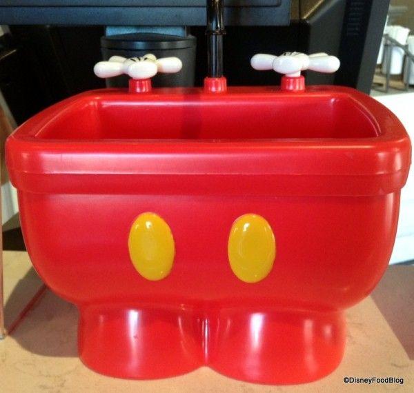 New Mickey Kitchen Sink Sundae Aka The Mickey Pants Sundae In Walt Disney World The Disney Food Blog Bloglovin