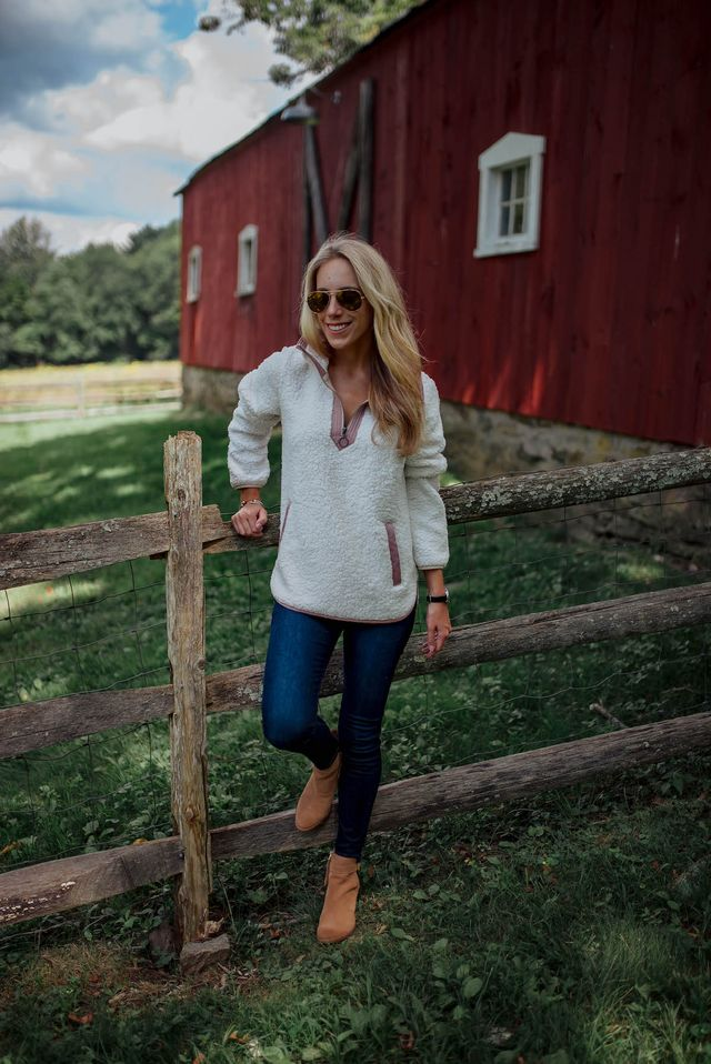 c57050a7cb6 Ultimate Guide To The Best Fleece Pullovers   Jacket. Autumn in New  England. Is there anything better  The little glimpse of fall I got while  visiting my ...