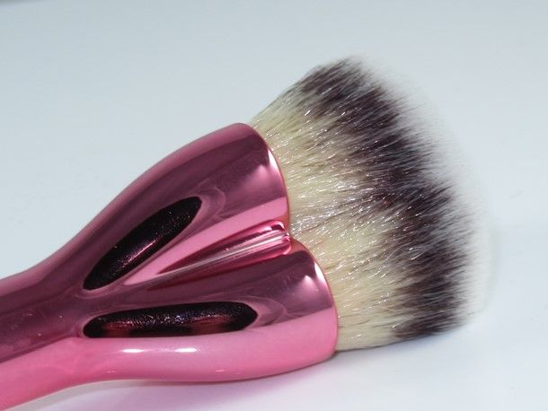 It Cosmetics x ULTA Love Beauty Fully Complexion Powder Brush #225 by IT Cosmetics #13