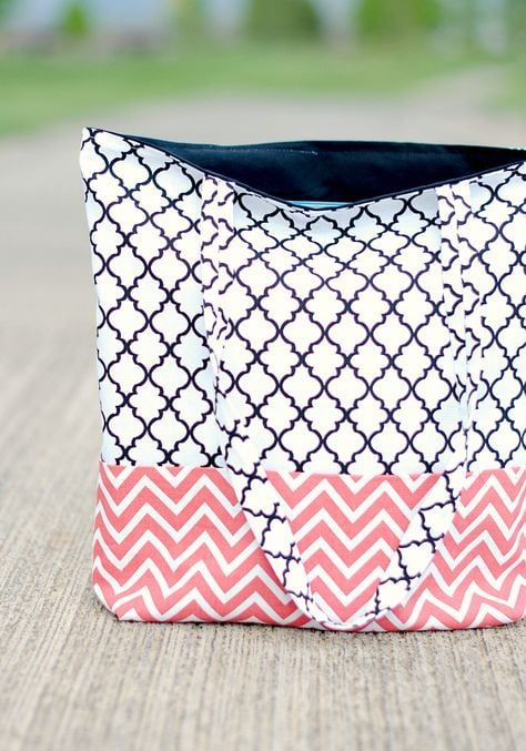More than 50 fun beginner sewing projects the polka dot for 10 minute table runner 30 minute tote bag