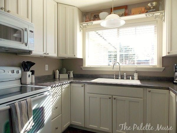 how to paint cabinet doors remodelaholic bloglovin - Kitchen Cabinet Surfaces