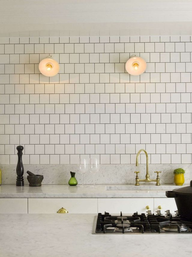 Above London Designer Charles Mellersh Paired Honed Marble With Brass Trimmings In A Notting Hill Kitchen Adds Character And An Inherent Charm