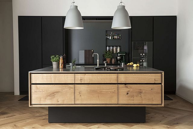 Above In Garde Hvalsoes Dinesen Line Both The Cabinet Bodies And Drawers Are Solid Wood This Kitchen Is Made Of Dinesens HeartOak Or Oak