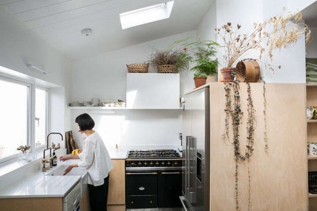 Steal This Look A Botanical Stylist S Creative Kitchen