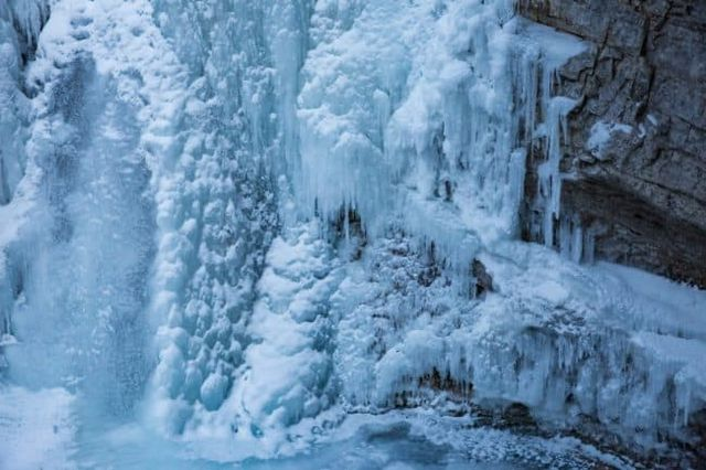 bolt on snow cleats exploring johnston canyon in winter young adventuress bloglovin