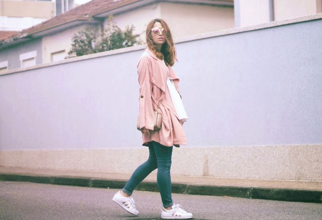 07582724a pink trench coat and skinny jeans: c/o SheIn | white top: c/o Front Row  Shop blush bag: Michael Kors Selma mini messenger (similar here) mirrored  rose gold ...