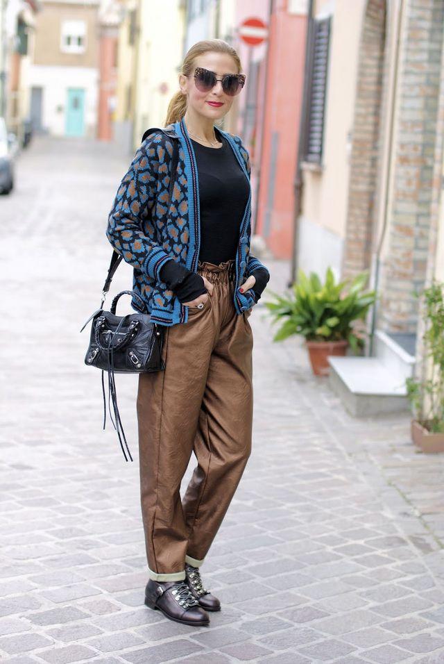 How to wear paperbag waist pants  36365b120c14