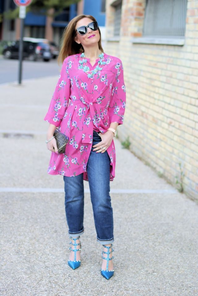 d7157a3f5d7 How to wear a dress over jeans  outfit idea with Metisu dress. Pin