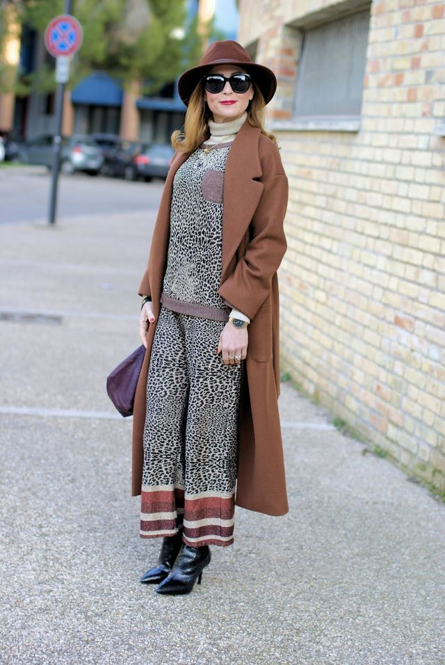 c115074987c2 Maxi brown belted coat  a transitional outfit