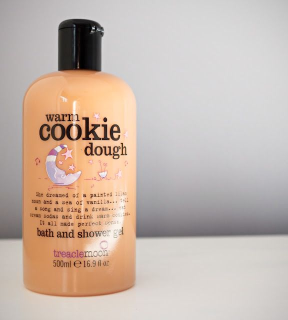 This Fabulously Sweet And Addictive Bubble Bath Smells Just Like Warm Cookies Warming Scrummy I Can Definitely Pick Out A Creamy Vanilla Scent