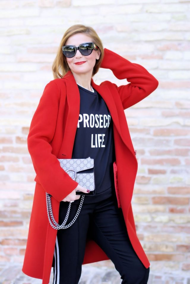 How to wear a red coat  72d5b3064f9
