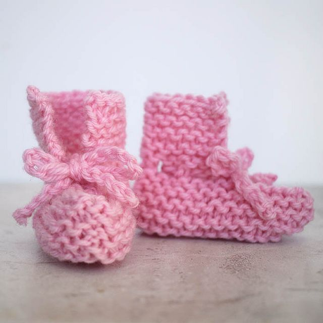 Easy Tie Front Baby Booties Free Knitting Pattern Gina Michele