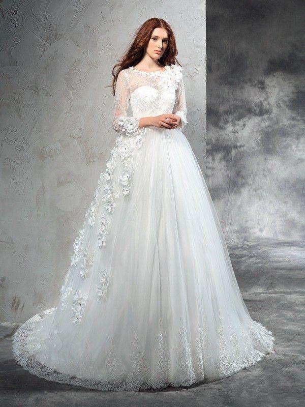 Matrimonio in inverno - Come scegliere l abito da sposa  270e4b82a7c
