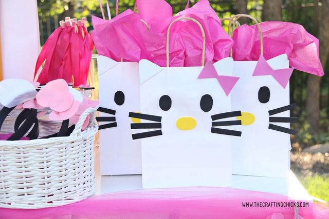 We Wanted A Way For Our Guests To Carry Home The Goos They Scored At Party These O Kitty Diy Gift Bags
