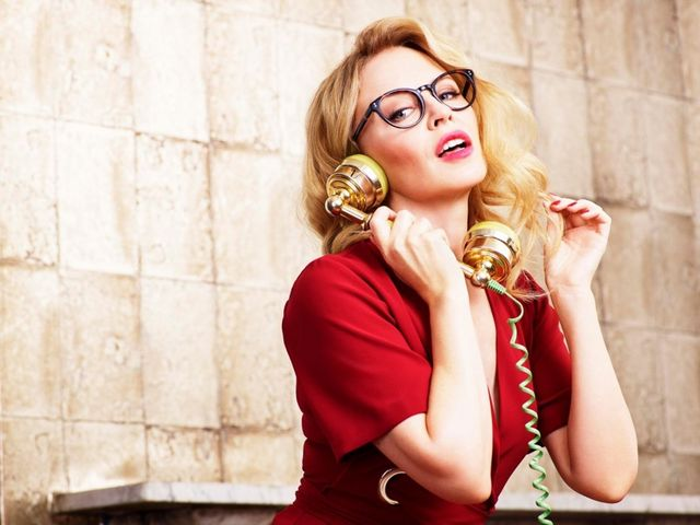 40c056991f Kylie Minogue Looks Stylish in Specsavers Eyewear Campaign