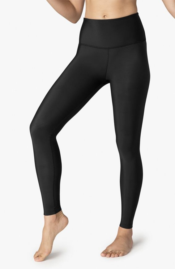5e62aa78f42c6 8 pairs of hot yoga pants that stood up to our sweat test | Well+ ...