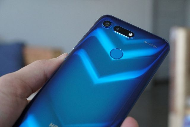 The Honor View20 Uses Dual-Frequency GPS for a Better Signal