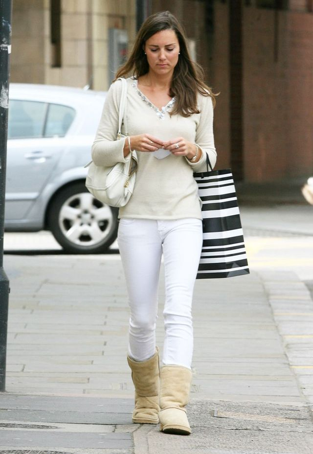 50cf9a44adf And Now, Here's Kate Middleton Wearing Ugg Boots in 2007 ...