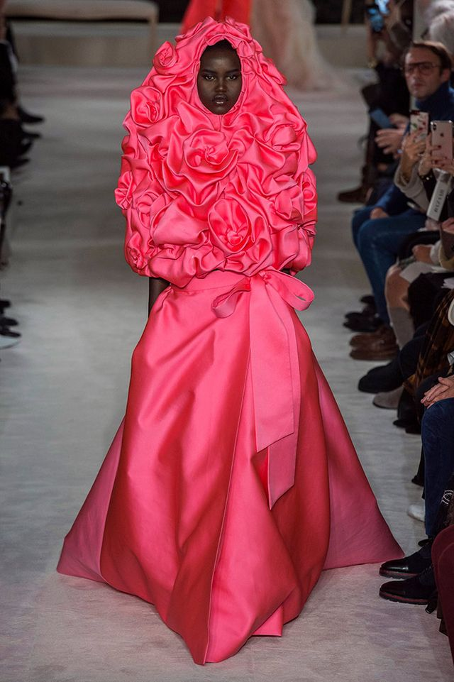 0a3c6cf070 Valentino Haute Couture Spring 2019 Runway