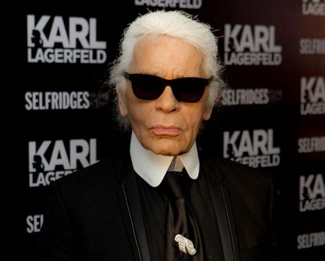 Karl Lagerfeld nunca deja de sorprendernos. Ni de innovar. Si hace unas  semanas os contábamos su debut en el diseño de joyas con una colección en  ... 9b5f4f326d2
