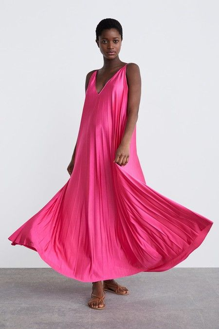 4e73b3a0976 Las embarazadas están de enhorabuena  Zara tiene la colección más ...