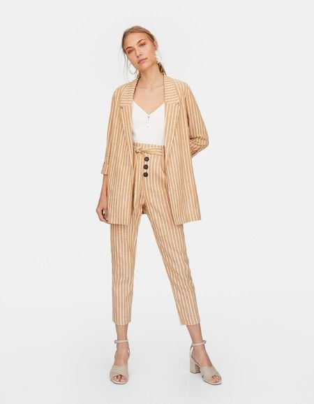 42c27a8486 Sofisticado traje de lino formado por americana larga 25