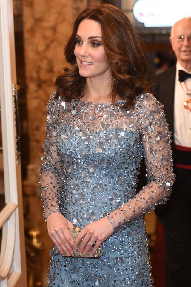7702399c2d Kate Middleton y el perfecto look de fiesta premamá