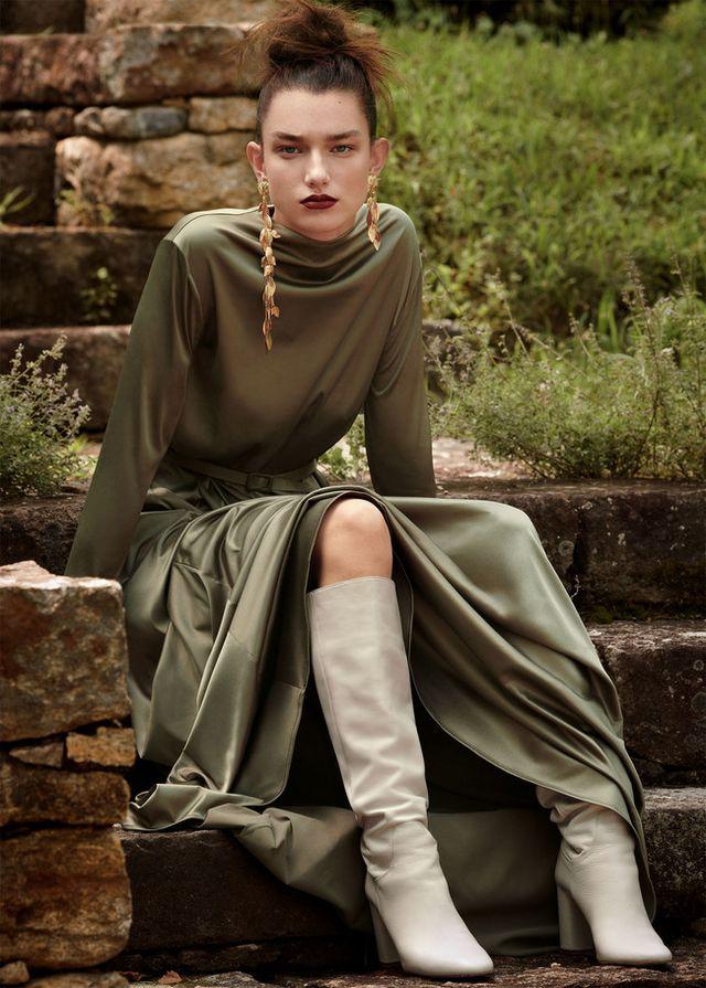 bdaec1b4f1 Comprar un vestido nuevo siempre es una buena idea. Sin pensar en que aún  estamos en agosto