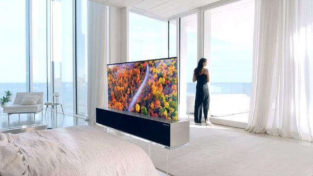4b92440b43e7 LG lanza el primer televisor enrollable que desaparece cuando no lo ...
