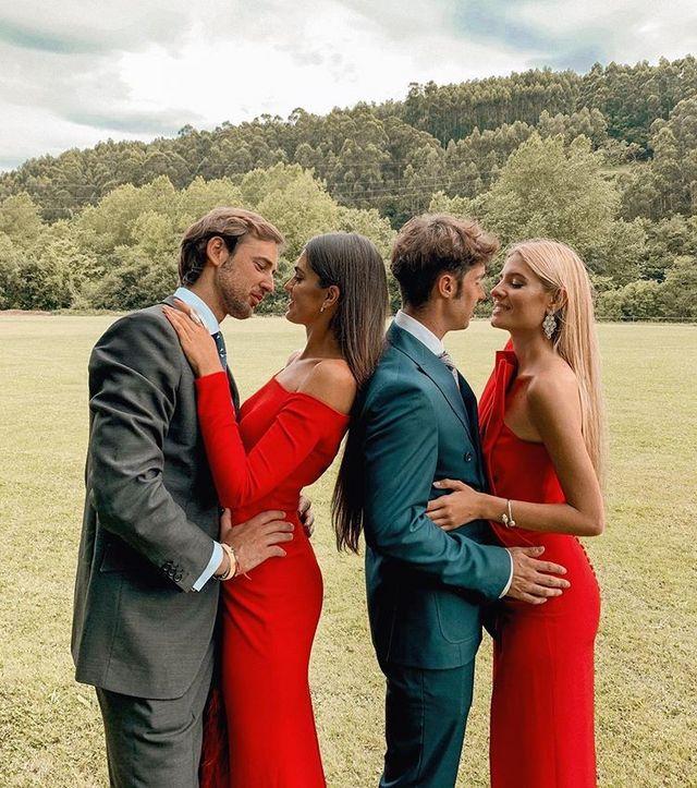 84aacdb0d El rojo pasión triunfa en los looks de invitada: 13 monos y vestidos ...